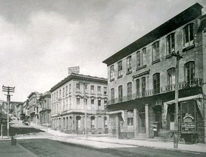 1906, Sherman's Bank at center w/ original third story (was removed after 1906 quake for safety reasons)