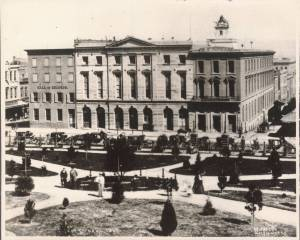 1866: Last ghost of what the Union Hotel once was at right; middle, the 3rd Jenny Lind Theatre, now City Hall; left, originaly the El Dorado, now Hall of Records